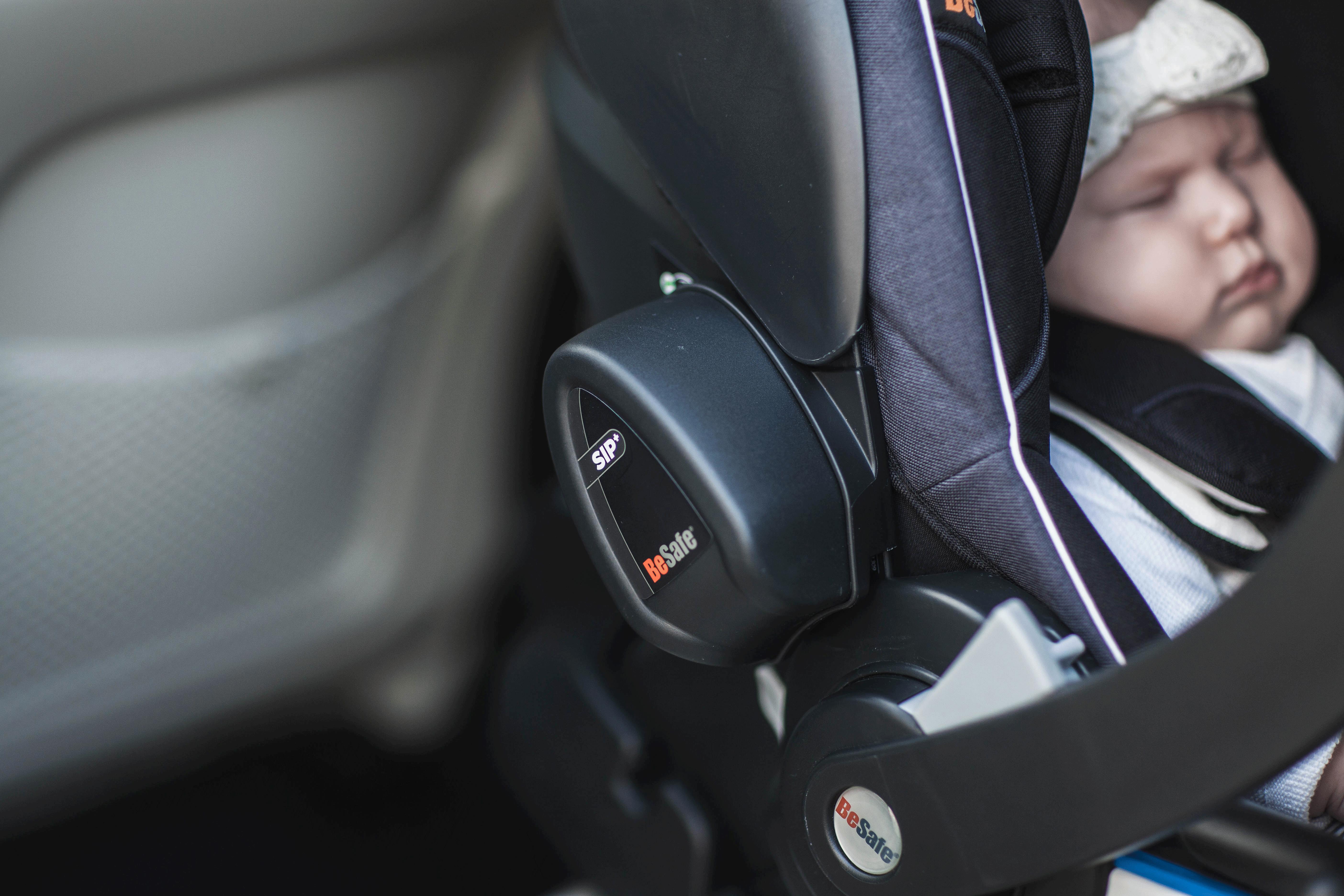 Baby overlever ulykke - Sidekollisionsbeskyttelse er vigtig