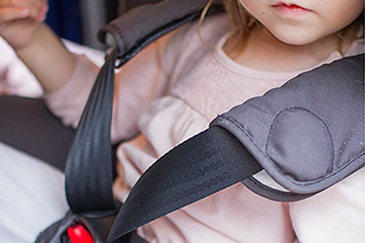Hur man färdas säkert på vintern med barn